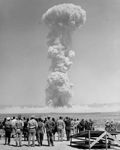 After Yalta confrence, the US has tested atomic bomb which is now a major issue and has caused nuclear jealousy, later a cause for cold war Nagasaki, Hiroshima, Bomba Nuclear, Nuclear Test, Nuclear Bomb, Fukushima, Theme Tattoo, George Patton, Photos Rares