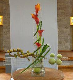Ikebana Arrangements, Modern Flower Arrangements, Flower Show, Flower Art, Art Flowers, Sogetsu Ikebana, Oriental Flowers, Polymer Clay Miniatures, Mechanical Design