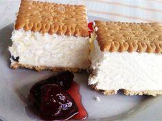 Πανεύκολο παγωτό σάντουιτς με Πτι Μπερ, έτοιμο σε μόλις 15 λεπτά Frozen Desserts, Summer Desserts, Greek Recipes, Vanilla Cake, Tiramisu, Yogurt, Smoothies, Cake Recipes, Cheesecake
