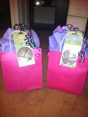 Hostess Booking Bags. Use prizes to get customers to book more Scentsy parties. Visit us on Facebook for more Scentsy business tips