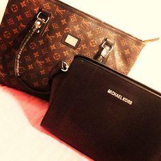 Michael Kors Jet Set, Michael Kors Clutch, Handbags Michael Kors, Backpack Purse, Clutch Bag, Cute Purses, Purses And Bags, Handbags 2014, Tan Purse