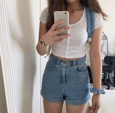 Aesthetic Outfits 🤩 [Can Crazy Look Cool? Indie Outfits, Short Outfits, Spring Outfits, Casual Outfits, Cute Outfits, Outfit Summer, Look Fashion, 90s Fashion, Korean Fashion