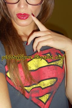 #redlips #sexygirl #nails #supermantshirt #superwoman