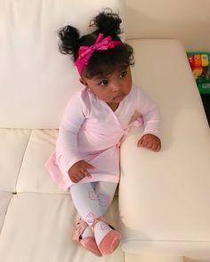 Bangs on a baby 😍 Beautiful Black Babies, Beautiful Children, Beautiful Gorgeous, Baby Pictures, Baby Photos, Baby Girl Fashion, Kids Fashion, Little Babies, Cute Babies