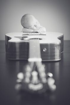 Newborn Guitar Pose   ©️️ Melisa Christine Photography