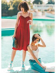 大人気の「キャミソール」♡ 今年の鉄則は一枚でヘルシーに&女っぽさを引き算!|NET ViVi|講談社『ViVi』オフィシャルサイト