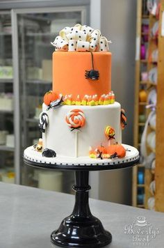 Halloween Trick or Treat cakes | Trick or Treat Halloween Cake by Beverly's Best Bakery