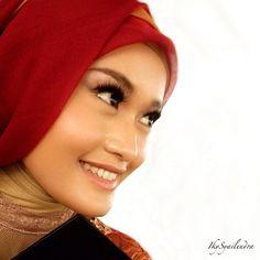 Indah Meitasari   #makeup #weddingmakeup #partymakeup #makeupartist #mua #makeupgeek #motd #hijab