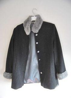 Kup mój przedmiot na #vintedpl http://www.vinted.pl/damska-odziez/plaszcze/11187589-plaszczyk-marksspencer-jesienno-zimowy-z-futerkiem