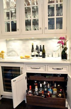 New kitchen pantry bar dining rooms Ideas Kitchen Bar Lights, Kitchen Shelves, Kitchen Storage, Bar Shelves, Storage Shelves, Storage Cart, Kitchen Organization, Glass Shelves, Room Shelves