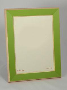 #portafoto in legno con cornice colorata verde. Artigianato Italiano.