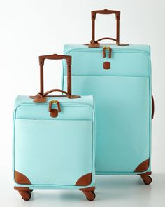 Kate's adorable luggage set. This make an appearance while they're packing for her trip in chapter 14.