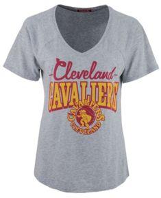 Mitchell & Ness Women's Cleveland Cavaliers Score V-Neck T-Shirt - Gray L