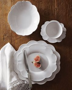 HORCHOW 20-Piece Scallop Dinnerware Service