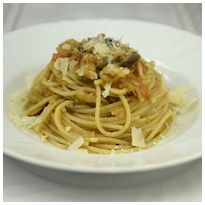Pasta alle melanzane - http://www.nonsolopiccante.it/2013/05/31/pasta-alle-melanzane/