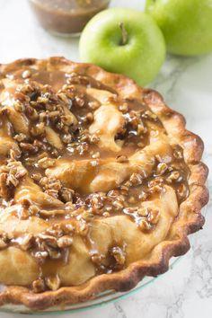 Praline Apple Pie recipe - from RecipeGirl.com - good Thanksgiving pie recipe.