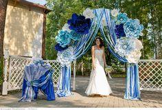 Wedding Set Up, Diy Wedding, Wedding Ceremony, Wedding Photos, Wedding Ideas, Blue Wedding Decorations, Wedding Colors, Wedding Pergola, Grecian Wedding
