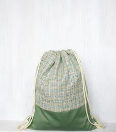 http://de.dawanda.com/product/83297811-turnbeutel---rucksack