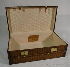 Malle cabine Louis Vuitton www.la-malle-en-coin.com trunk restoration
