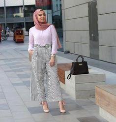 Striped pants and ruffle blouses hijab outfits – Just Trendy Girls Hijab Fashion Summer, Modest Fashion, Scarf Styles, Hijab Styles, Tartan Pants, Dressy Pants, Workwear Fashion, Mode Hijab, Denim Top