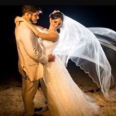 Imagens lindas da querida noiva Natália  @npires1 ������.Felicidades ao casal ������.Fotos @erikabitencourtfotografia. #noivasdesalvador #noivasdobrasil #assessoriadecasamentos #altacosturaemsalvador #casandonabahia #noivasdesalvador #blognoivadodia #vestidodanoiva #vestidodenoiva #casamento #casamentos #casamentonabahia #casandoemaracaju #lookdanoiva #lookdenoiva #mariage #noivas2017 weddingdress #wedding #guiaparanoivas #unrevesalvador #gown #gowns #weddinggown #casarsalvador2017…