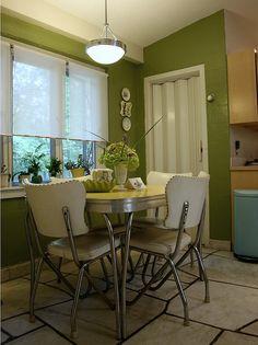 Jenn's Retro Dining Nook Vintage Room, Vintage Table, Vintage Kitchen, Vintage Decor, Vintage Furniture, Vintage Stuff, Dining Nook, Dinning Table, Retro Home