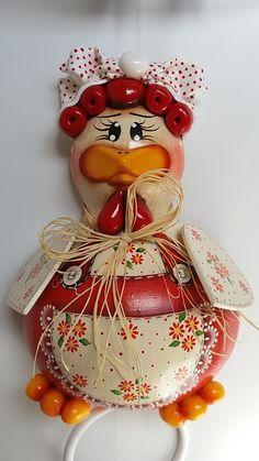 Porta pano de prato feito em Cabaça. - C4B0B3 Clay Crafts, Fun Crafts, Diy And Crafts, Arts And Crafts, Mason Jar Art, Decorative Gourds, Gourd Art, All Art, Rooster