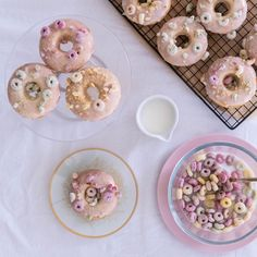 Cereal Milk Donuts | Em' Sweet Life  I'm always looking for an excuse to eat dessert for breakfast 🙊 These Cereal Milk Donuts make it super easy to get away with 😁 Cereal Milk, Easy Baking Recipes, Sweet Life, Donuts, Super Easy, Eat, Breakfast, Desserts, Frost Donuts