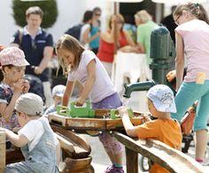 Ein Ausflug nach Schloss Hof! Wie wäre es am Muttertag? - http://www.dieweinpresse.at/ein-ausflug-nach-schloss-hof-wie-waere-es-muttertag/