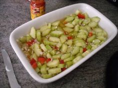 Een heerlijke salade voor bij Oosterse gerechten. Ooit gemaakt bij de toenmalige Zuivelkeuken in Leidschendam. Pureed Food Recipes, Indian Food Recipes, Asian Recipes, Cooking Recipes, Ww Recipes, Healthy Recipes, Snack Recipes, Ethnic Recipes, Salsa
