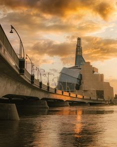 Canadian Museum for Human Rights Shots Ideas, O Canada, Pacific Ocean, Human Rights, Adventure Travel, Paris Skyline, Museum, Tours, River