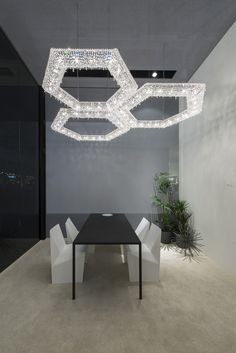 SU Crystal pendant lamp by Manooi #crystalchandelier #lightingdesign #interior #chandelier #coollamps #luxury #Manooi
