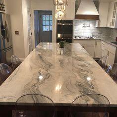 Deeply veined quartzite countertop in cool colors Blue Granite Countertops, Granite Kitchen, Kitchen Countertops, Epoxy Countertop, Backsplash, Farmhouse Style Kitchen, Home Decor Kitchen, Kitchen Interior, Kitchen Ideas