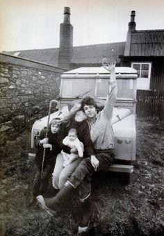 Paul McCartney, Linda, Heather and Mary. Ringo Starr, George Harrison, John Lennon, Great Bands, Cool Bands, Paul Mccartney And Wings, Mary Mccartney, 1970 Style, Liverpool