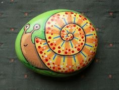 Looking for some easy painted rock ideas to get inspired by? See more ideas about Rock crafts, Painted rocks and Stone crafts. Pebble Painting, Pebble Art, Stone Painting, Diy Painting, Painting Stencils, Mandala Painting, Stone Crafts, Rock Crafts, Arts And Crafts