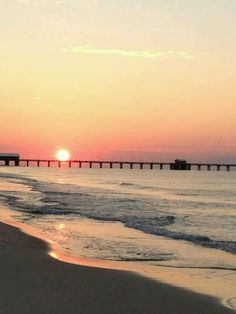 Check out the Gulf Shores and Orange Beach calendar of events for family-friendly and fun things to do in Alabama's Gulf Coast! Gulf Shores Beach, Gulf Shores Alabama, Winter Beach, Paradise On Earth, Orange Beach, Beach Signs, Down South, Best Vacations, Beach Photos