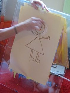 How to draw you mom - a simple lesson in drawing people and a fun book!