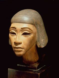 Wooden head of a Harpist,from Tell Al-Amarna,c.a.1370-1360 B.C. 18th Dynasty,New Kingdom.