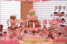 modelo de decoração de mesa da festa cupcake