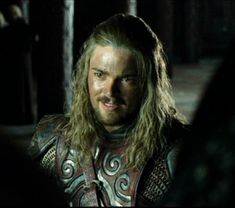 Lord Eomer of Rohan: it's a tough call with all the hotties in the LOTR movies, but Karl Urban as Eomer is my favorite. Rawr.