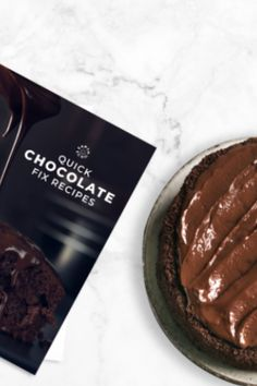 Grab your FREE copy of The Quick Chocolate Fix for 10 of the most decadent chocolate treats to hit your taste buds. Decadent Chocolate, Chocolate Treats, Healthy Chocolate, How To Make Chocolate, Smart Snacks, Wonderful Recipe, Something Sweet, Healthy Treats, Taste Buds