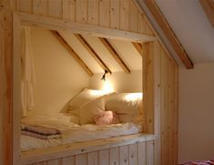 Eine holzgetäfelte Bettnische im Manor House Stables in Lincolnshire über Elite Cottages dream house luxury home house rooms bedroom furniture home bathroom home modern homes interior penthouse Alcove Bed, Attic Rooms, Attic Spaces, Attic Bedroom Ideas Angled Ceilings, Attic Apartment, Attic Bathroom, Apartment Therapy, Cool Beds, Small Bedrooms