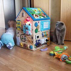 """683 Me gusta, 49 comentarios - БИЗИБОРДЫ🌟БИЗИДОМИК🌟БИЗИКУБ (@bizidom) en Instagram: """"Все любят котиков, а котики любят детей и наши домики 😻. . Но в такой Бизидомик невозможно не…"""""""