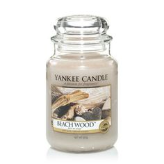 Yankee Candle: Beach Wood : Seasoned by the elements. this modern blend of vetiver, salt air and driftwood creates an intriguing fragrance. Bougie Yankee Candle, Yankee Candle Scents, Yankee Candles, Perfume Diesel, Scented Candles, Candle Jars, Scented Wax, Perfume Fahrenheit, Candles