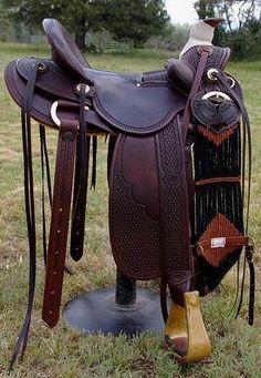 Custom Old Time Style Saddles built and designed by Bob Beecher Saddler for excellent fit for horses and proper positioning and fit for the rider. Wade Saddles, Roping Saddles, Horse Saddles, Western Saddles, Horse Gear, My Horse, Horse Tack, Cowboy Spurs, Cowboy Gear
