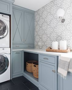 Laundry might not be quite so bad when it's in this room 😍 ​Design by @timbertrailshomes. Photo by @stofferphotographyinteriors. Decor, Laundry Room Paint Color, Kitchen Cabinets And Backsplash, Kitchen Cabinets, Grey Laundry Rooms, Home Decor, Traditional Interior Design, New Kitchen Cabinets, Kitchen Renovation