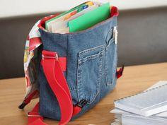 Jeans-Upcycling für eine Kuriertasche - prima geeignet als Schultasche.