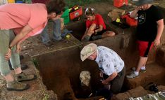 Archaeologists explore a rural field in Kansas, and a lost city emerges - Los Angeles Times Arkansas City, History Of Wine, Archaeological Finds, Lost City, In Ancient Times, Classic Books, Ancient History, Ancient Aliens
