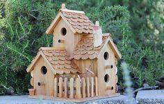 Triple Birdhouse, bouchons de bois et vins