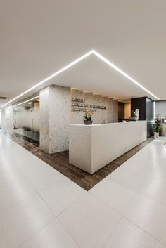 Quizzical Dental Office Forms #dentistafit #DentalOfficeEntrance Clinic Interior Design, Interior Design Portfolios, Clinic Design, Healthcare Design, Dental Office Design, Design Offices, Modern Offices, Reception Desk Design, Office Reception
